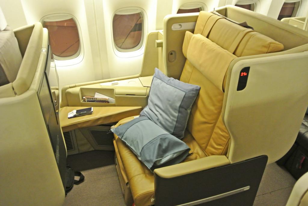 Singapore 777 seat