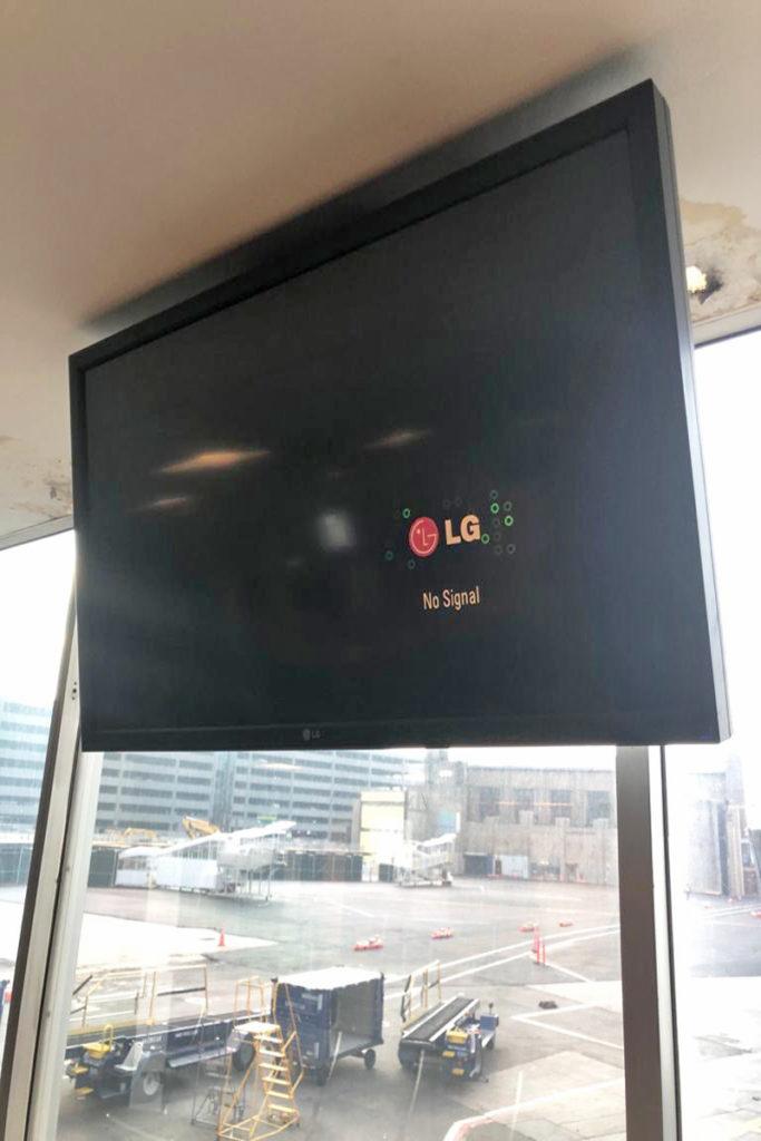 CNN-Airport-News-Black-683x1024.jpg